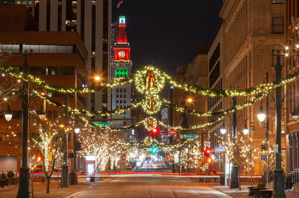 Christmas In Denver Colorado.Downtown Denver Colorado 16th Street Mall Christmas Eve 20