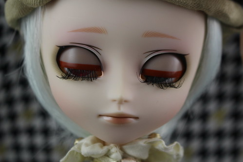 Johan Retro Memory Eyelids Closed