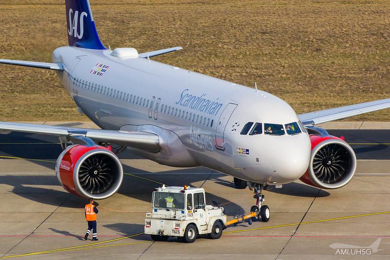 Scandinavian Airlines Ireland - A20N - EI-SII (1)
