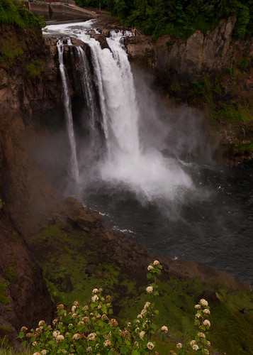 snoqualmiefalls waterfall washington pacificnorthwest 268ft cascade snoqualmieriver cascademountains cascaderange snowmelt summer summerroadtrip roadtrip nature landscape power strength roaring