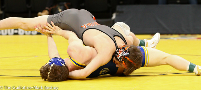 113 - Semifinal - Ryan Henningson (Winona-Winona Cotter) 45-1 won by major decision over Brandon Psyk (St Michael-Albertville) 39-5 (MD 13-1) - 190302amk0024