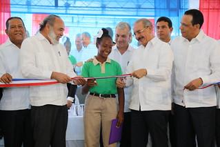 La Altagracia: Danilo Medina entrega dos centros educativos a más de 1,100 estudiantes de Bávaro y Bayahibe | by PresidenciaRD