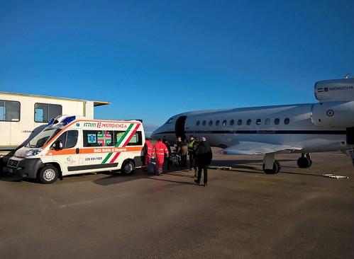 trasporto aereo militare urgente | by LA VOCE DEL PAESE