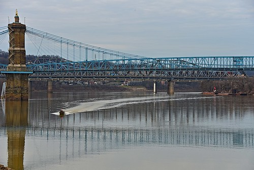 roeblingsuspensionbridge covingtonkentucky ohioriver bridge river reflections boat water nikond750