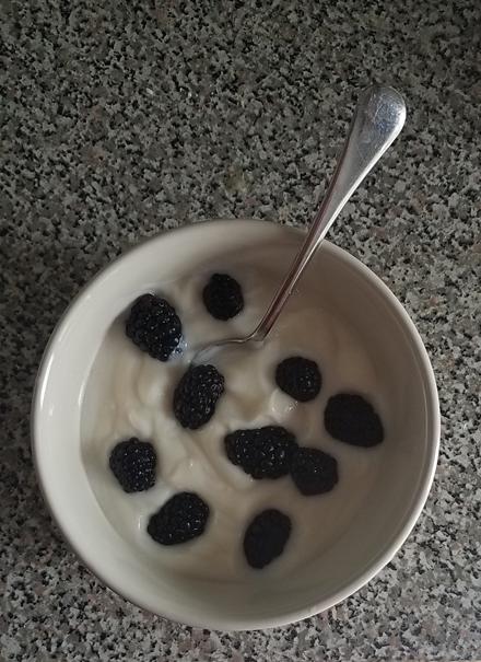 Yoghurt & Berries