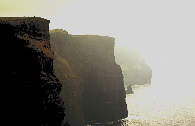 1985_141_Irland_Cliffs-of-Moher-1950