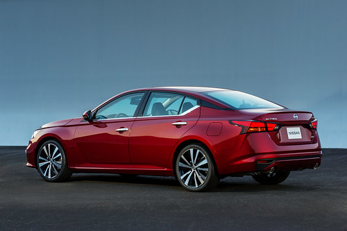 2019 Nissan Altima Introduced at the New York International Auto Show Photo