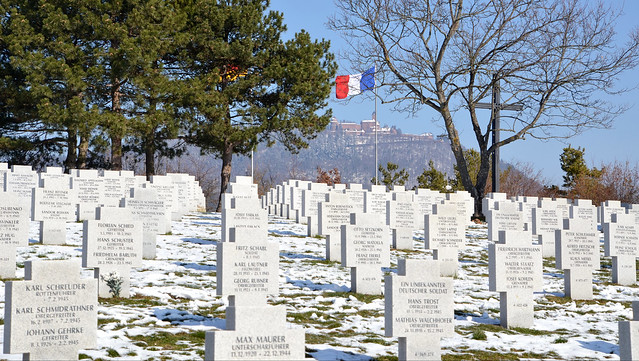 Cimetière militaire allemand à Bergheim  -  German military cemetery to Bergheim