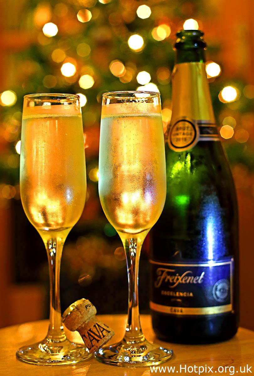 HousingITguy,Project365,2nd 365,HotpixUK365,Tone Smith,GoTonySmith,365,2365,one a day,Tony Smith,Hotpix,cava,glass,glass of cava,sparkling wine,wine,bokeh