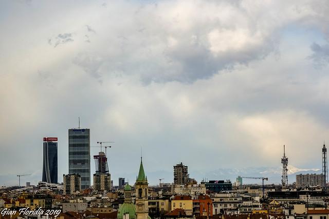 Milan skyline Northbound