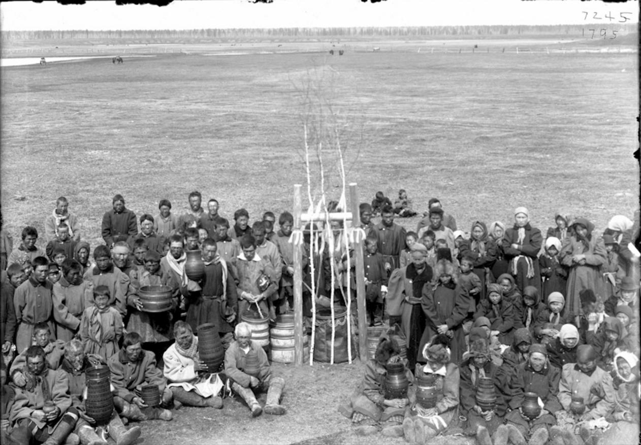 Окрестности Якутска. Праздник Ысыах в Чурапче. 1902  (3)