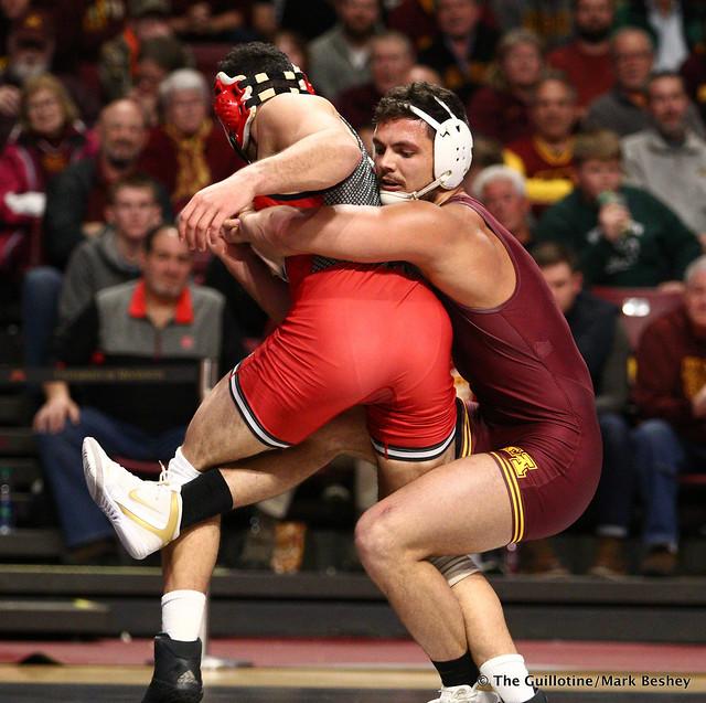 184 #12 Nicholas Gravina (Rutgers) dec. Brandon Krone (Minnesota) 4-3. 190106AMK0120