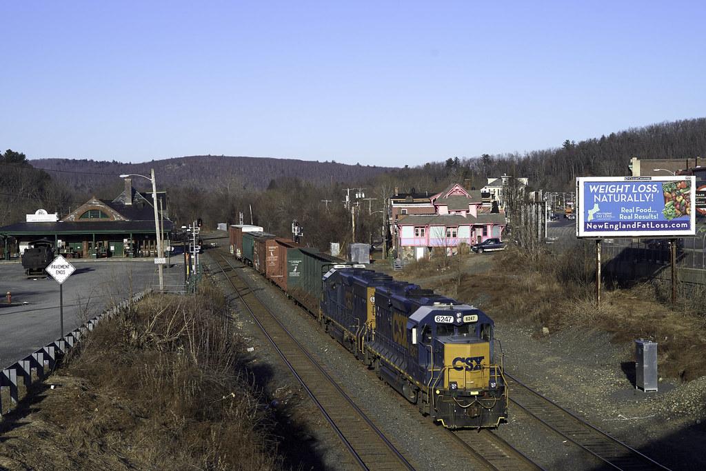 CSX Local B740 | Palmer,Massachusetts, about to enter the CS