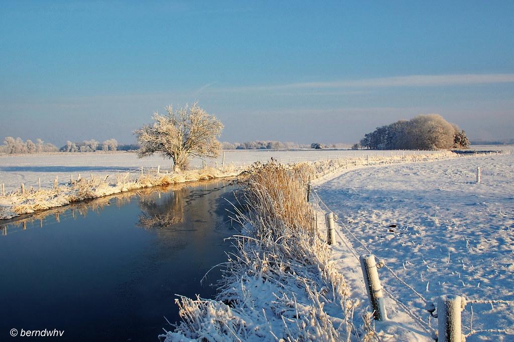 Winter an der Woppenkamper Bäke / Landkreis Friesland