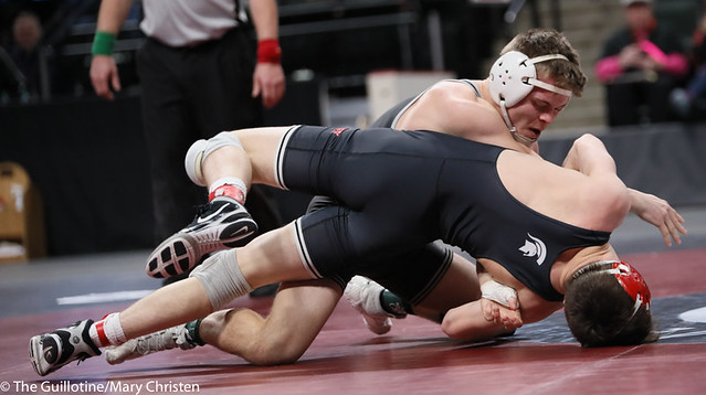 138AA 1st Place Match - Tyler Shackle (Scott West) 44-6 won by decision over Cael Berg (Simley) 36-3 (Dec 5-4) - 190302BMC4536