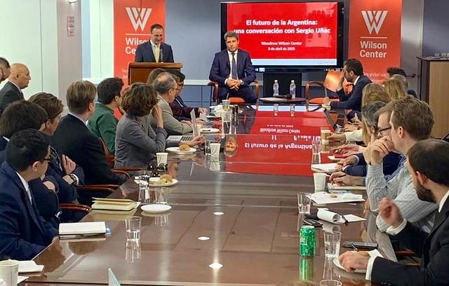 Uñac expuso sobre el desarrollo sanjuanino en un foro político en Washington (8)