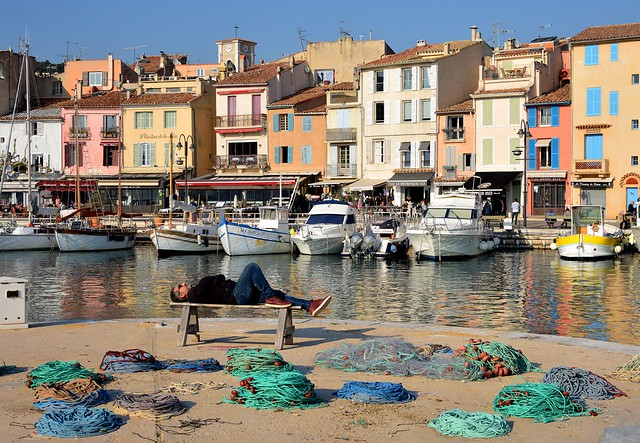 Cassis / The harbour sleeper