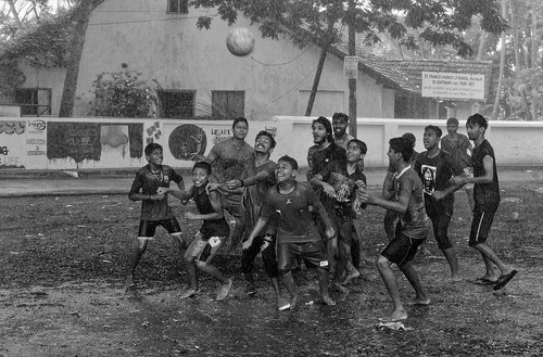 Fort Kochi. Santa Cruz Ground | by comaineuil