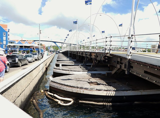 Queen Emma Bridge - Curaçao