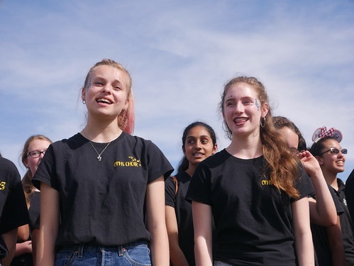 he fourth annual Music Festival, commonly known as Oakchella, was held on Sunday April 7. This event had performances by Oak Park Choir, Oak Park Band, Medea Creek Choir and Medea Creek Band.   by OakParkTalon