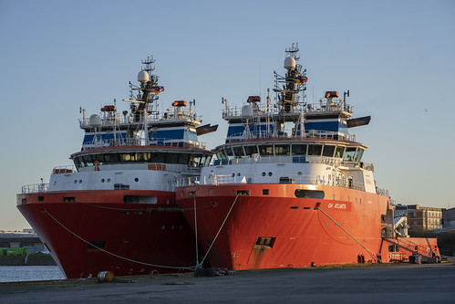 ghendurance ghatlantis offshoresupplyship bremen industriehafen sunset weser ilce7iii sonya7iii sel85f18