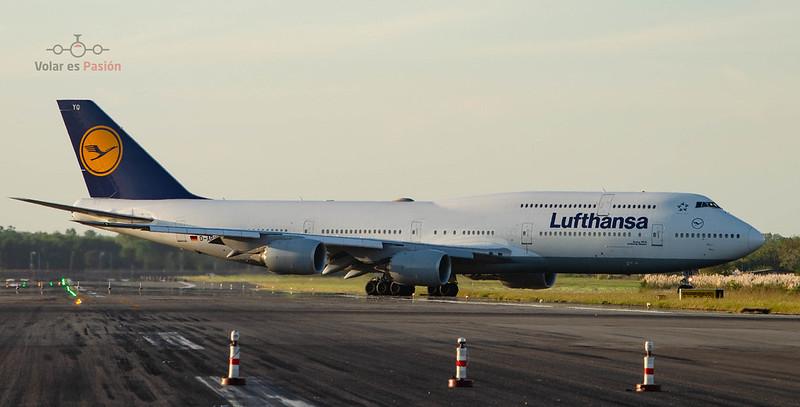 Lufthansa - B747-8i