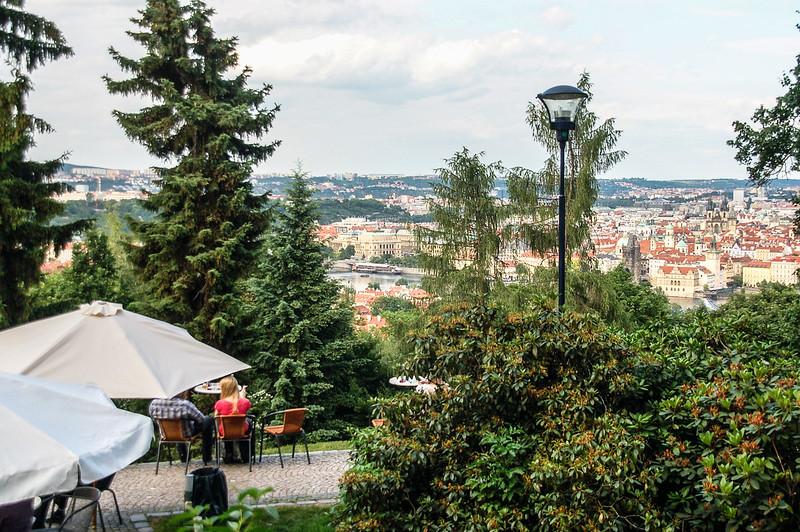 Restaurant Nebozizek 俯瞰布拉格市區 1