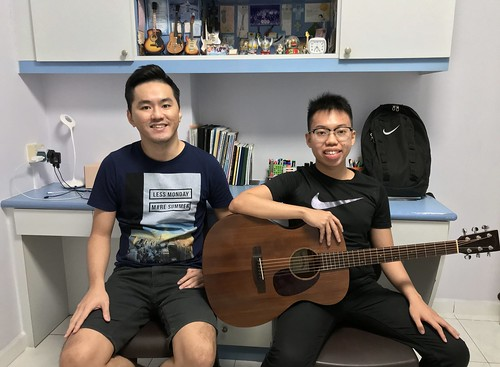 1 to 1 guitar lessons Singapore Daniel Lee