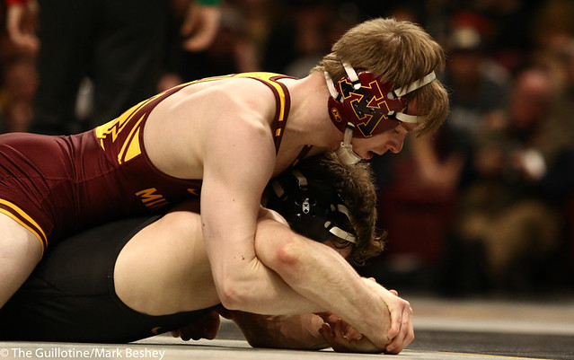 3rd Place Match - Ethan Lizak (Minnesota) 28-5 won by decision over Austin DeSanto (Iowa) 18-4 (Dec 6-2) - 190310dmk0053