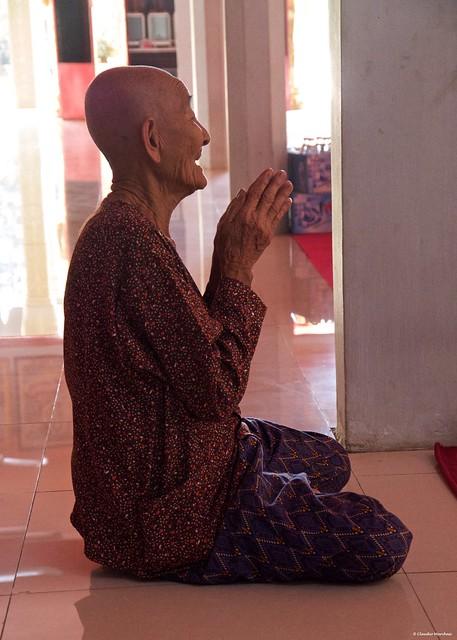 IMGP1315 Praying Buddha