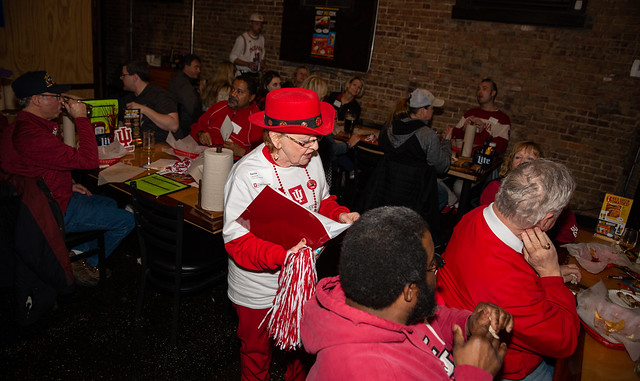 Alumni game watch party