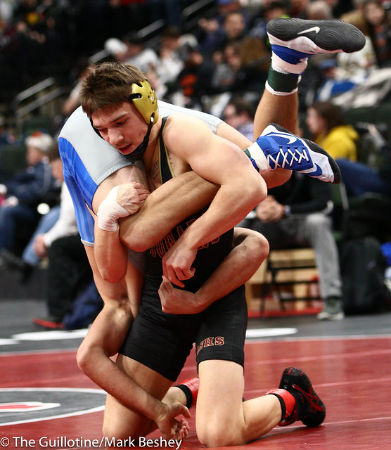 152 - Semifinal - Willie Bastyr (Lakeville South) 40-3 won by decision over Braden Kramer (Brainerd) 38-10 (Dec 7-5) - 190302amk0092