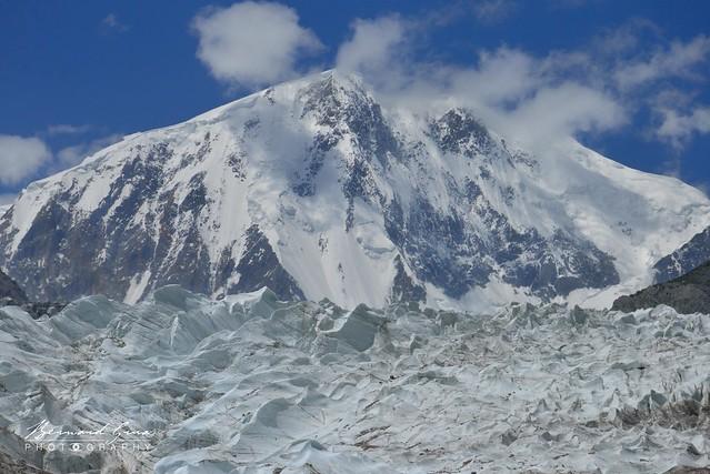 Glacier et pic de Passu (Passu Sar) , 7 478 m © Bernard Grua