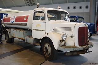 1960 Mercedes-Benz L 311 Tankwagen _a