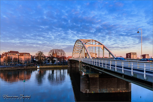 hansvanbockel 1680mm city d7200 golden hour ijssel lightroom nikkor nikon rivier stad sunset wilhelminabrug zon zonsondergang