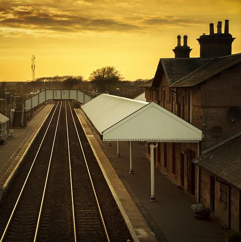 sunset railway station annan rails platform