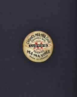 Label: Lloyd's Ma-Ma doll equipped with patented Ma-Ma voice / Étiquette : Poupée Ma-Ma de Lloyd's équipée de la voix brevetée Ma-Ma