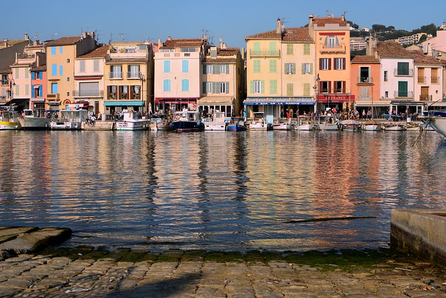 Cassis Harbor / Beyond the cobblestones.