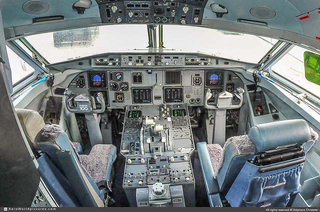 [AMS.2014] #KLM.Cityhopper #WA #KLC #Fokker #F100 #PH-OFE #Cockpit #awp