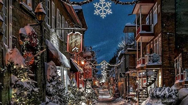Christmas - Canada - QUEBEC - Rue de Petit Champlin-02