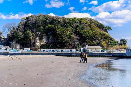 Koyurugi Misaki Cape, Kamakura : 小動岬   by Dakiny