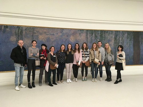 Art History students studying abroad in Paris, France