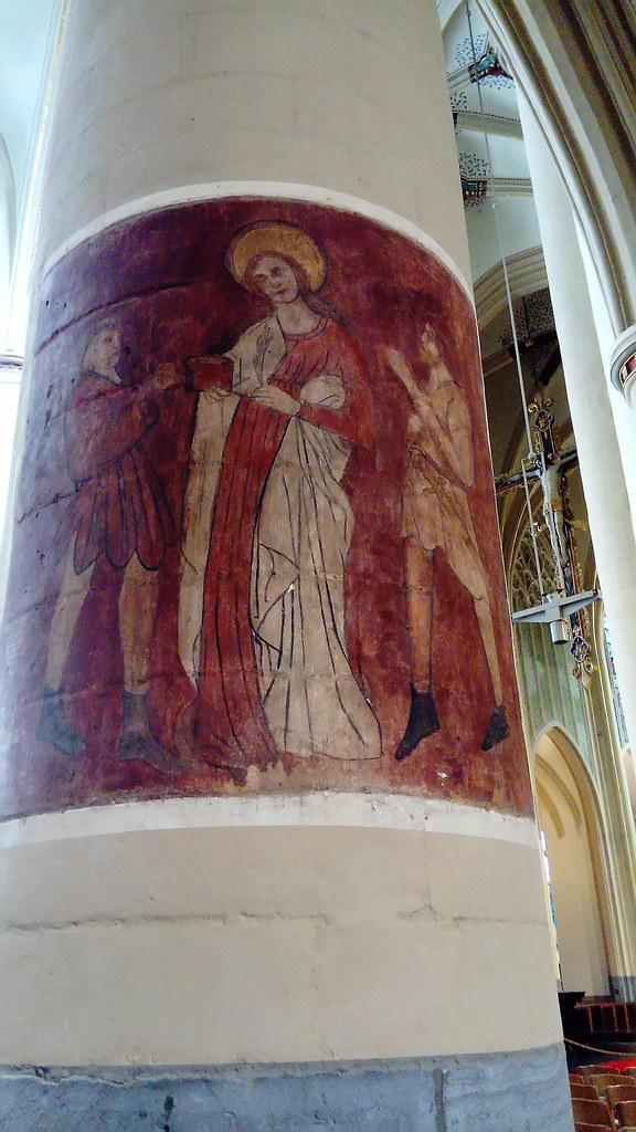 Detalle fresco sobre pilar