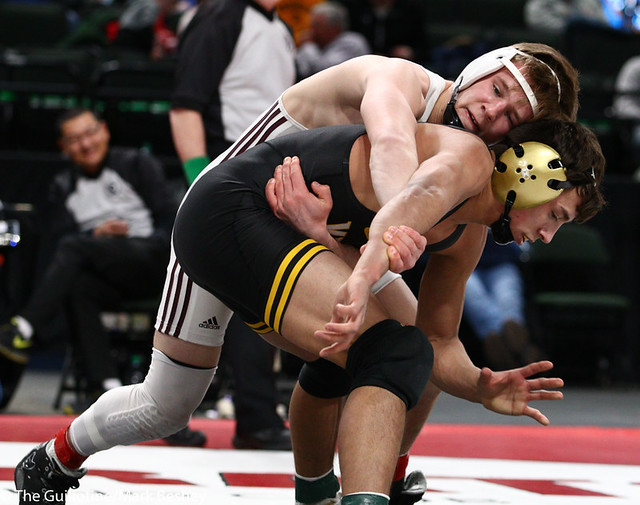 138AAA 1st Place Match - Sebas Swiggum (Apple Valley) 53-2 won by decision over Drew Woodley (Northfield) 50-3 (Dec 3-2) - 190302bmk0165