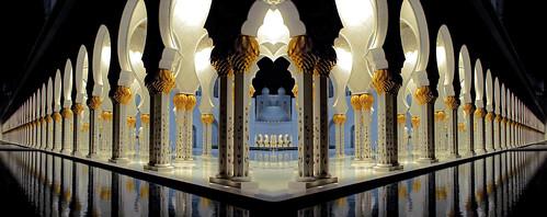 Abu Dhabi - Sheikh Zayed Mosque | by mccrya