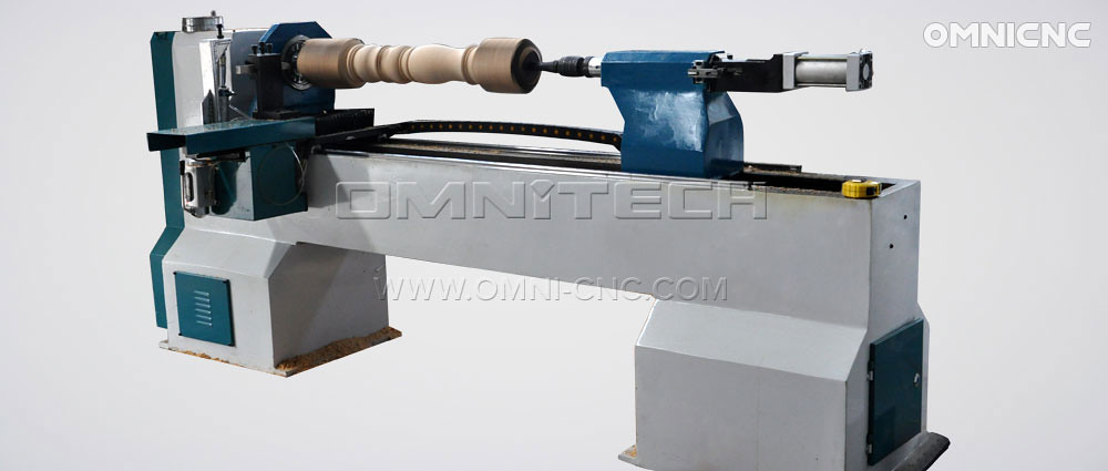 Comparison of CNC Wood Lathe over Traditional Wood Lathe