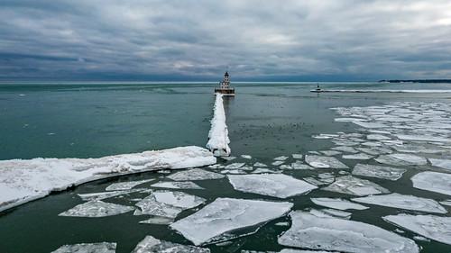 lighthouse usa winter february milwaukee snow drone dji ice wisconsin 2019 milwaukeebreakwaterlighthouse aerial unitedstates aerialphotography djimavicpro lakemichigan unitedstatesofamerica us
