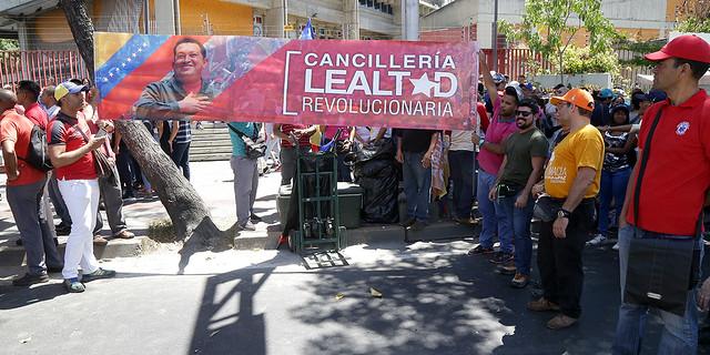 En defensa de la patria y contra el imperialismo marcha el pueblo venezolano este 6 de abril