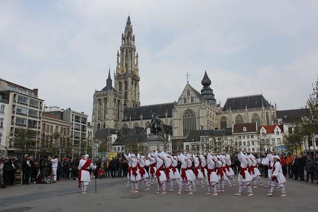 Arrateko ezpata-dantza Antwerpenen, 2019ko martxoaren 30 eta 31n