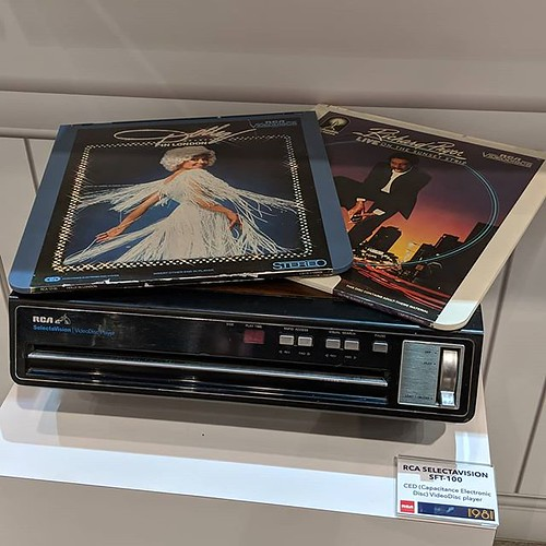 Personal trivia: I secretly wanted an RCA Selectavision as a kid because they had a couple of episodes of Star Trek available for it #RCA #ces #ces2019 #cedplayer #cedmedia #selectavision #deadmediaformats | by Coach Ota